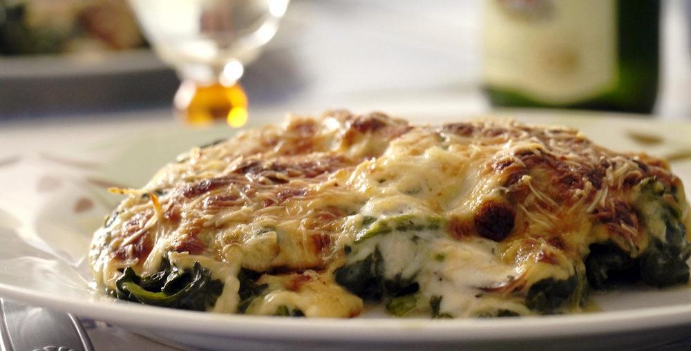 Lasagna cu spanac, ouă și cașcaval