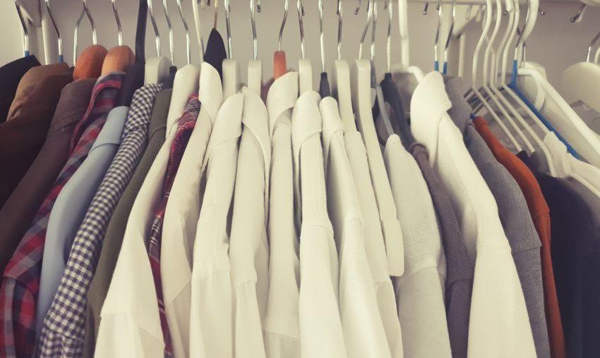 Moment de cotitură în modă: ce haine îți poți cumpăra la reduceri de peste 50%
