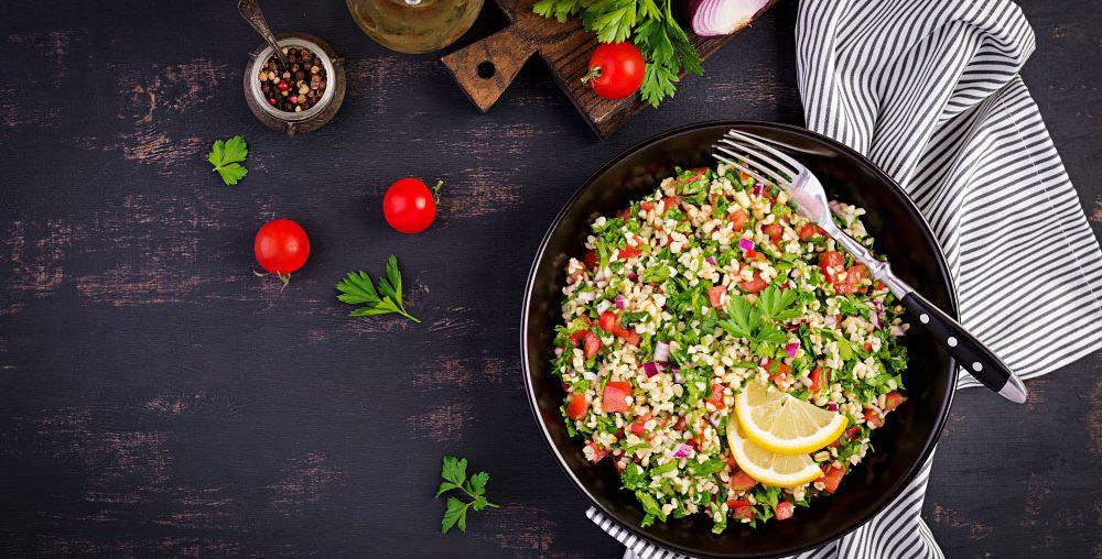 Tabbouleh sau salată libaneză cu pătrunjel și bulgur